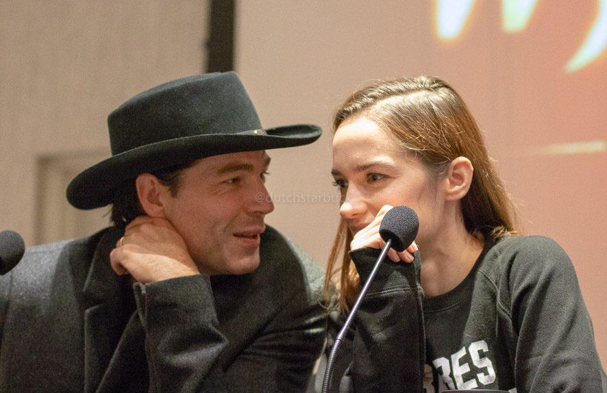 Melanie Scrofano en Tim Rozon